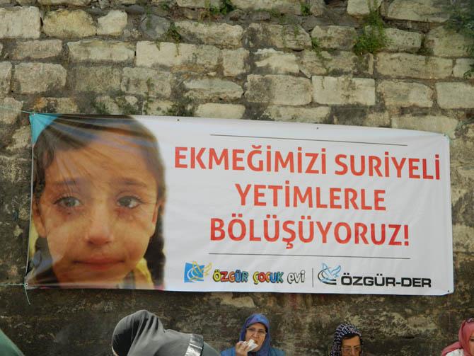 ozgur_cocuk_evi_suriyeli_yetimlere_yardim_kermesi-(3).jpg