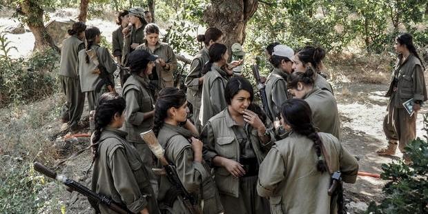 page_kurt-hareketindeki-politik-kadinlar-birer-disi-doktor-jivagoya-donuyor-soguk-hissiz-militan-ve-erkeksi_126226217.jpg