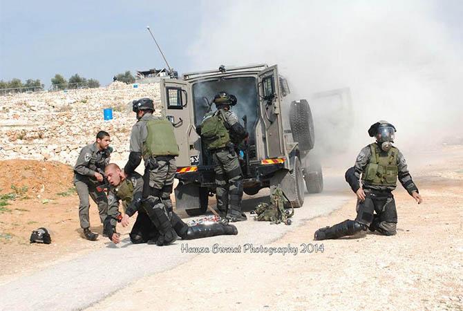 palestine-bilin_israel-filistin-israil-askeri-gaz-bombasi02.jpg