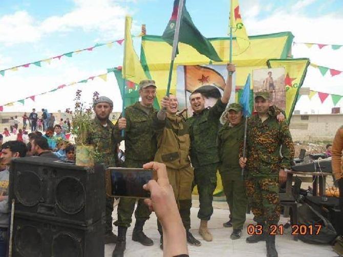 rusya_askerleri_pkk_pyd_kutlamasinda-(3).jpg