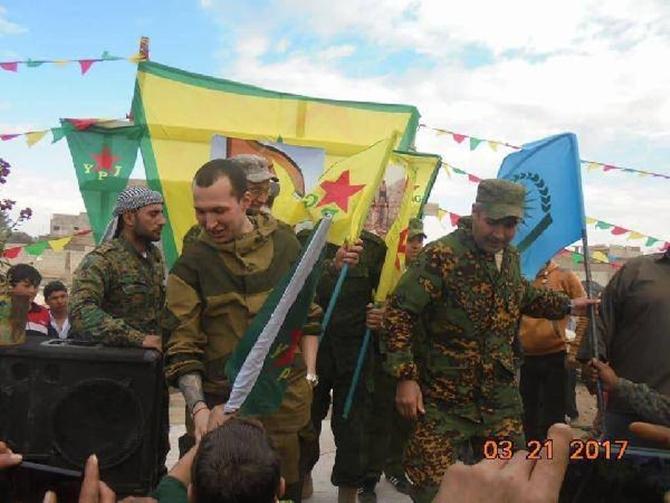 rusya_askerleri_pkk_pyd_kutlamasinda-(4).jpg