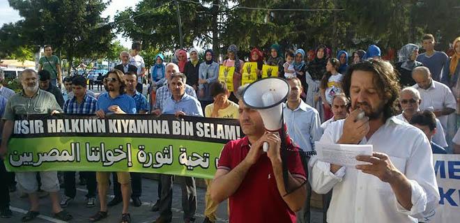 sakarya-misir-sisi-darbesini-protesto-04.jpg