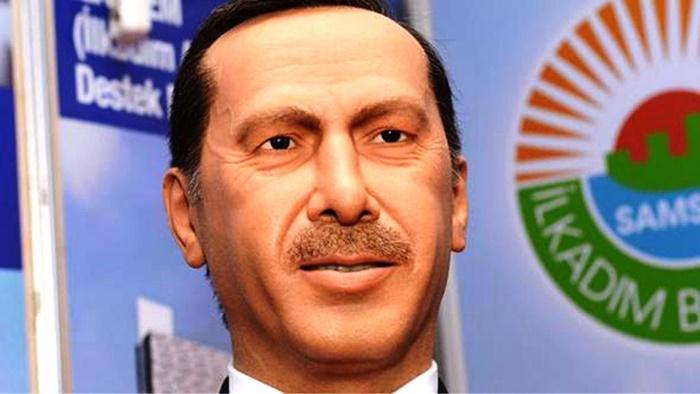 samsun_balbumu_erdogan_heykeli.jpg