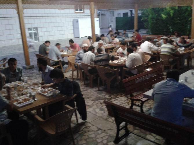 sariyer-iftar-20130802-06.jpg