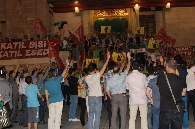 sisi-idam-protesto-20150616-01.jpg