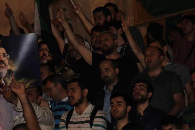sisi-idam-protesto-20150616-08.jpg