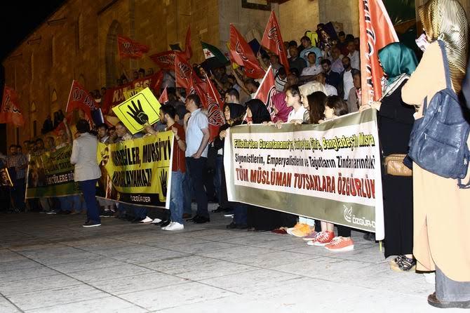 sisi-idam-protesto-20150616-18.jpg