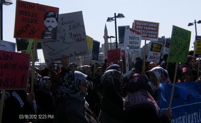 sivas-suriye-eylemi-protest_syria_18mart2012_04.jpg