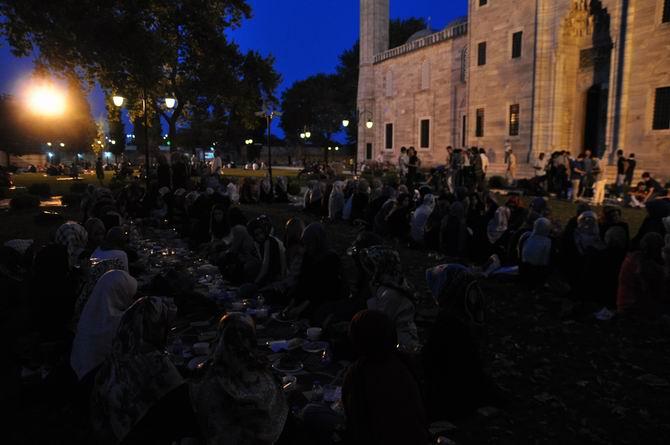 suleymaniye-iftar-20130728-1.jpg