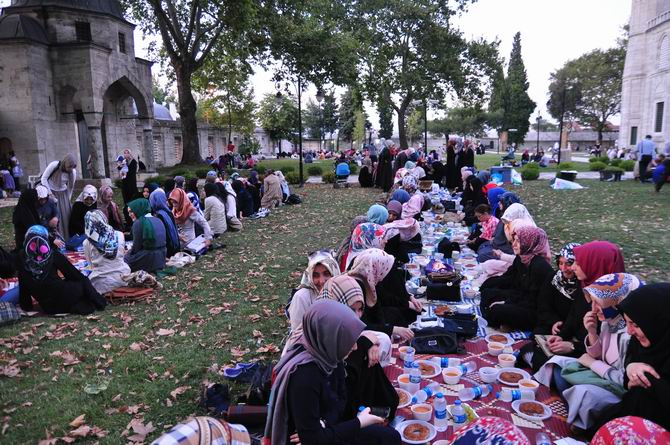 suleymaniye-iftar-20130728-5.jpg
