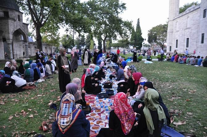 suleymaniye-iftar-20130728-7.jpg