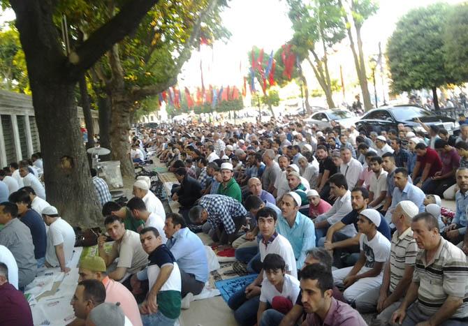 sultanahmet_bayram_namazi-(4).jpg