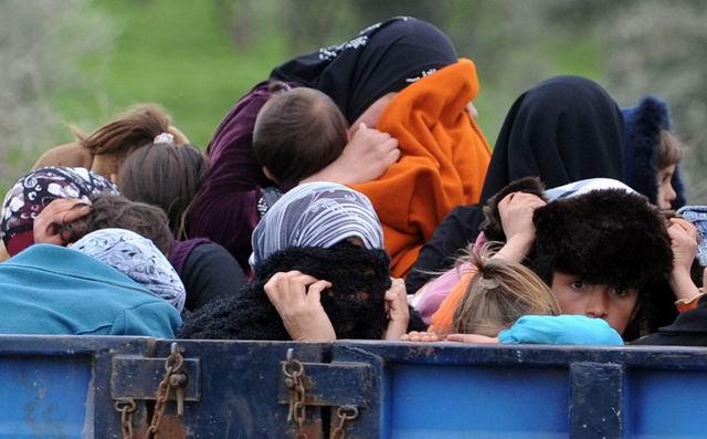 suriyeli-multeciler-sinir-kacis-syria-idlib01.jpg