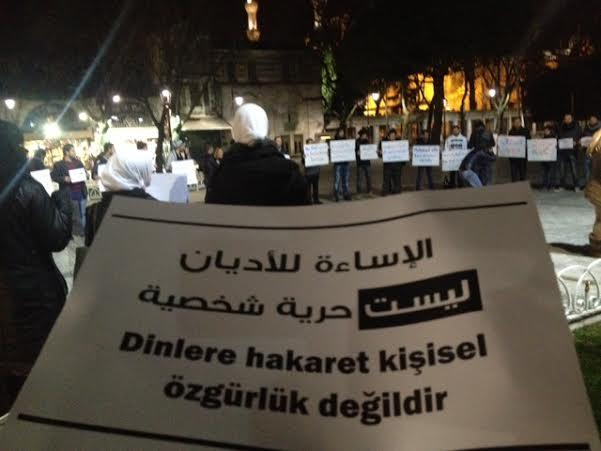 suriyeliler-sultanahmet-charlie-hebdo-protestosu02.jpg