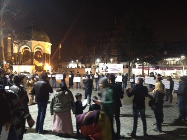 suriyeliler-sultanahmet-charlie-hebdo-protestosu04.jpg