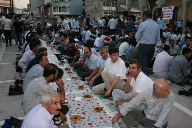 van-iftar-20130802-2.jpg