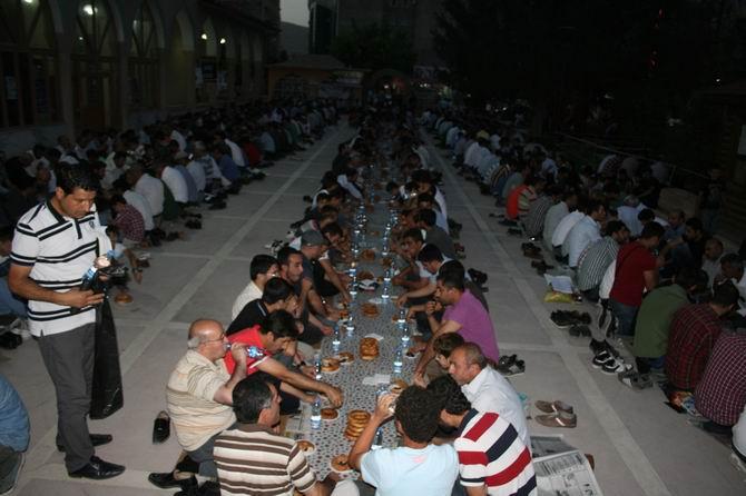 van-iftar-20130802-4.jpg