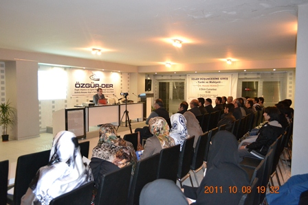 van-ozgurder-20111007-03.jpg
