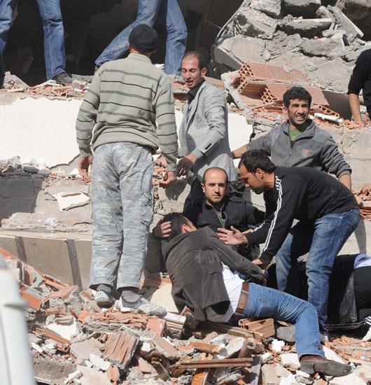 van_deprem-20111023-01.jpg