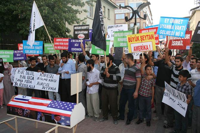van_muhammede_hakaret_filmi_protesto-(2).jpg