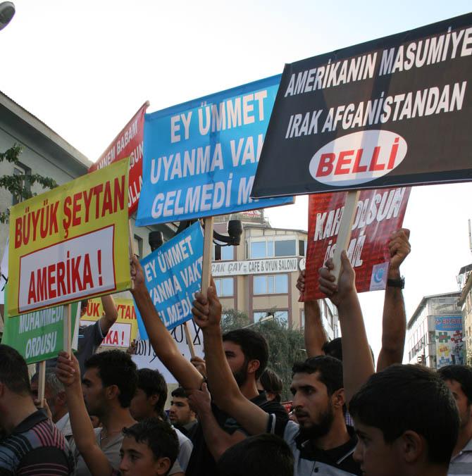 van_muhammede_hakaret_filmi_protesto-(3).jpg