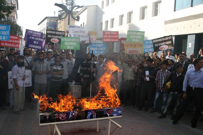 van_muhammede_hakaret_filmi_protesto-(7).jpg