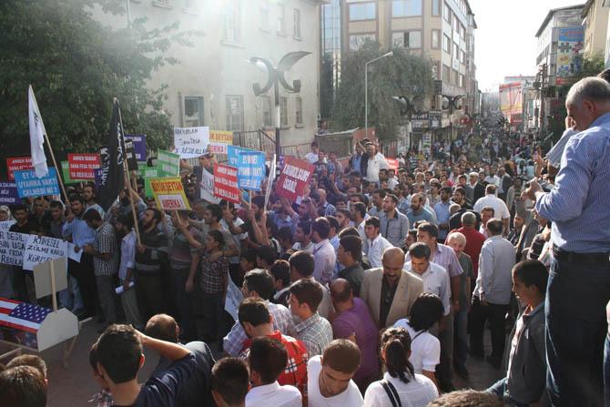 van_muhammede_hakaret_filmi_protesto.jpg