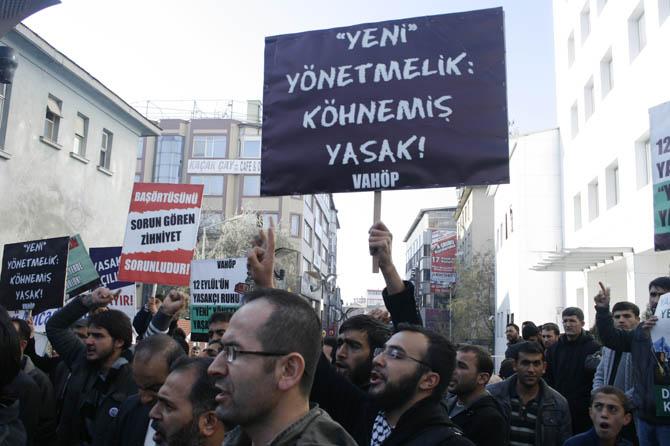 van_yonetmelik_protesto_basortu_vahop-(4).jpg