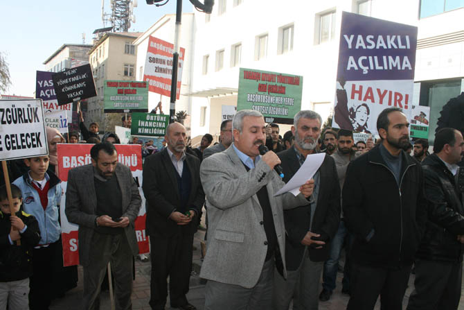 van_yonetmelik_protesto_basortu_vahop-(9).jpg