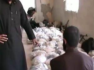 Nusret Cephesi Dera'da Yardım Dağıtıyor