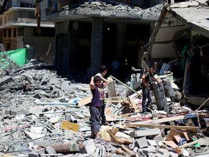 Gazze Halkı: Ey Dünya Bu Gece de Yıkılmayacağız!
