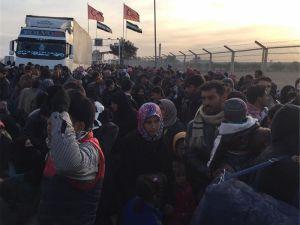 Binlerci Suriyeli Tekrar Göç Yolunda