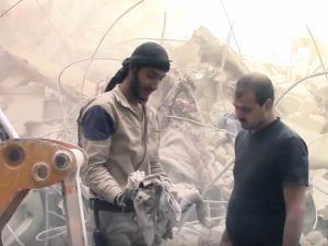 Müslümanlar Kuşatma Altındaki Halep'te Katlediliyor