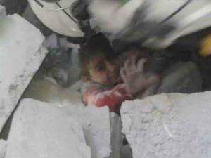 Halep'te Çocuk Hastanesinin Vurulma Anı!