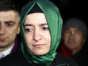 Fatma Betül Kaya Konsolosluk Önünde Abluka Altında